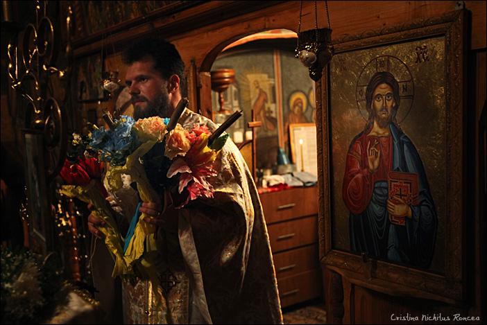 Sfintele Pasti in Tara Fagarasului 01 - foto Cristina Nichitus Roncea