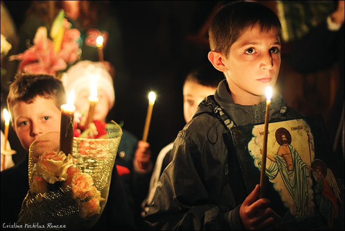 Sfintele Pasti in Tara Fagarasului 03 - foto Cristina Nichitus Roncea
