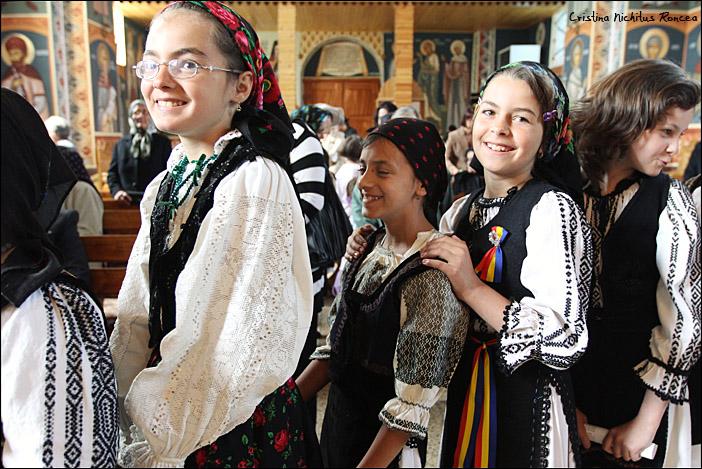 Sfintele Pasti in Tara Fagarasului 09- foto Cristina Nichitus Roncea