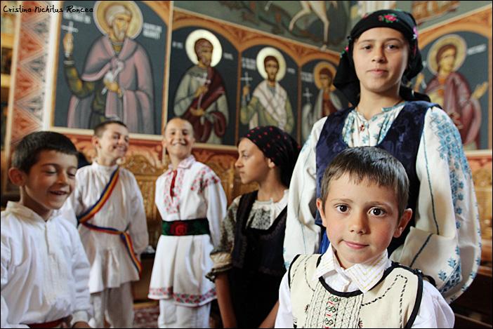 Sfintele Pasti in Tara Fagarasului 10 - foto Cristina Nichitus Roncea
