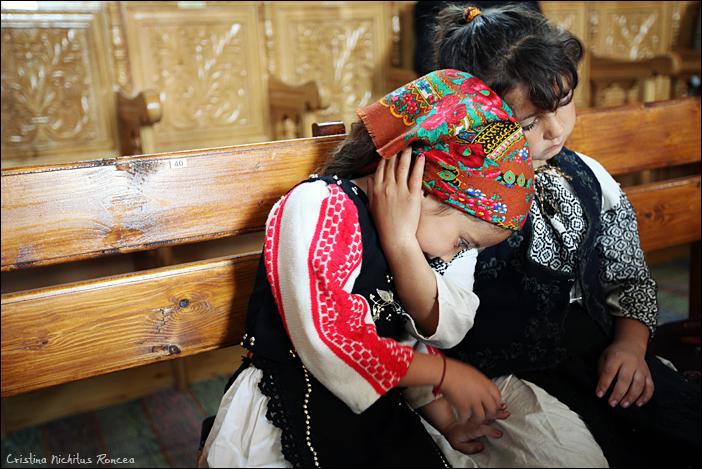 Sfintele Pasti in Tara Fagarasului 11 - foto Cristina Nichitus Roncea