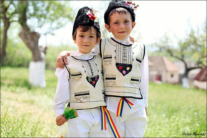 Sfintele Pasti in Tara Fagarasului 13 - foto Victor Roncea