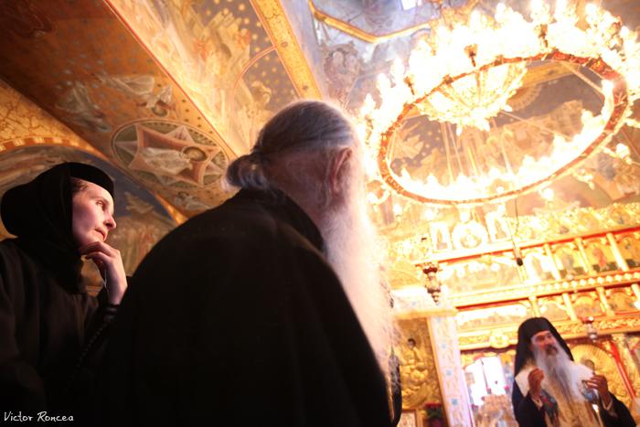 Inmormantarea Parintelui Justin Parvu 10 - foto Victor Roncea