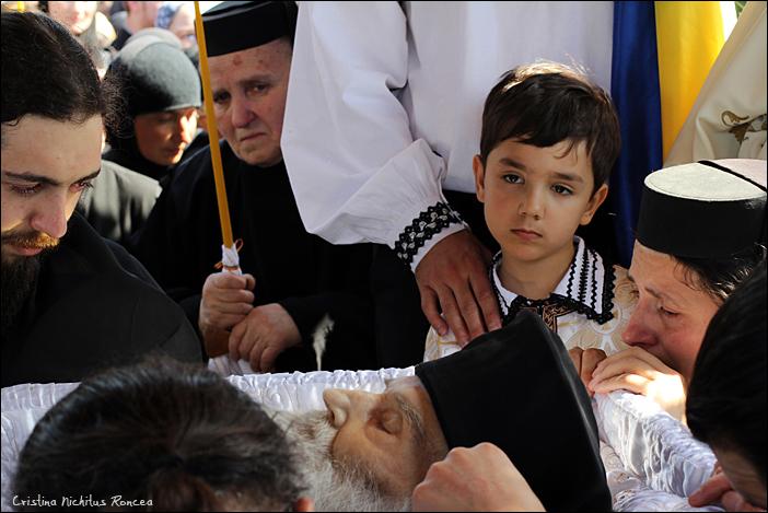 Inmormantarea Parintelui Justin Parvu 30 - foto Cristina Nichitus Roncea