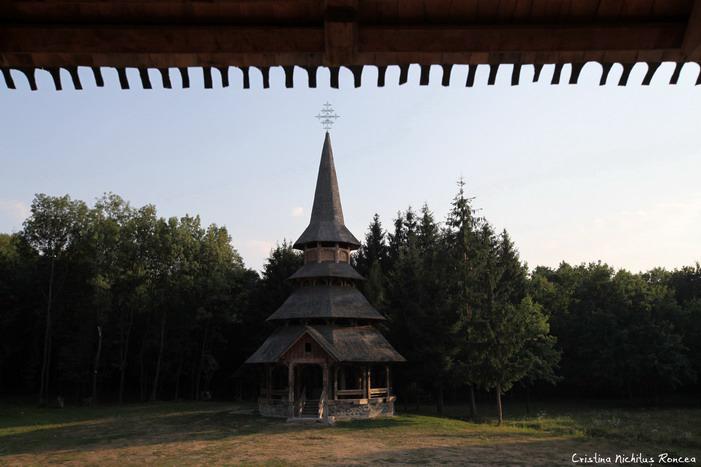 Cimitirul Vesel si Manastirea Sapanta - Peri de Cristina Nichitu
