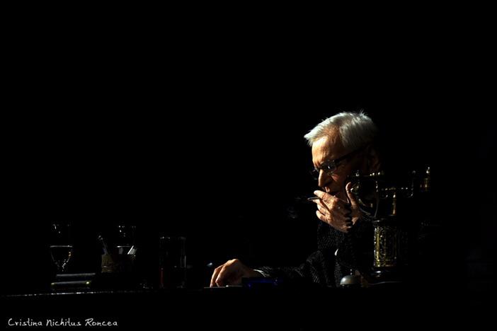 Radu Beligan in piesa Egoistul - foto Cristina Nichitus Roncea