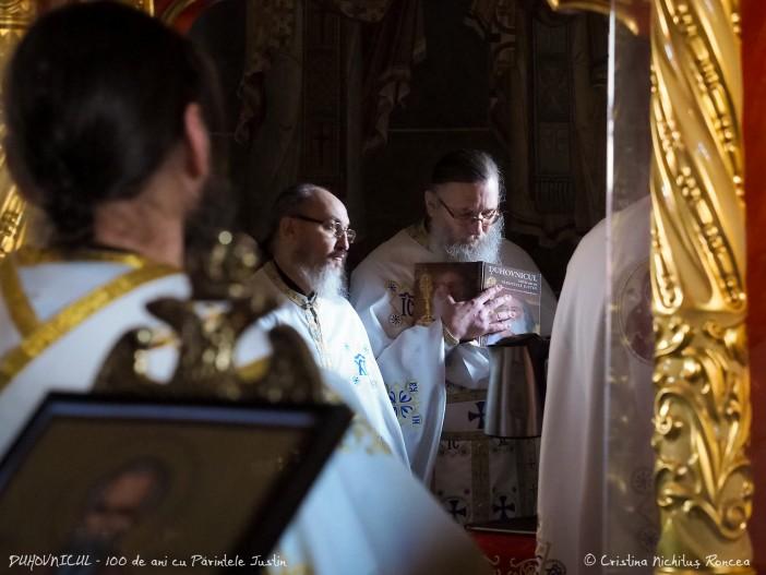 Duhovnicul - 100 de ani cu Parintele Justin - foto Cristina Nich